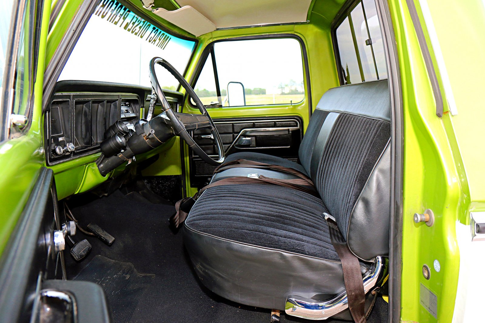 013-northern-ranger-interior.jpg