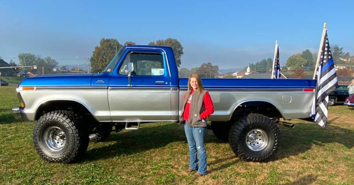15 Year Old Girl Built Her Dream Truck 1978 F150