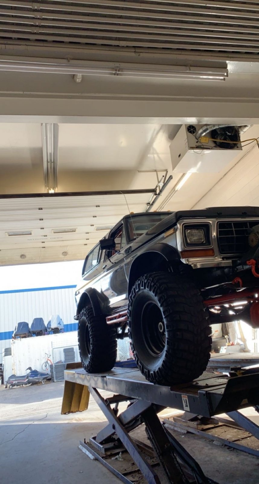 16 Year Old Built His Dream Ford Bronco 7.jpeg