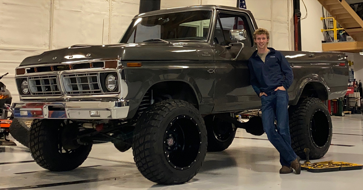 16 Year Old Built His Dream Truck 1977 Ford F150.jpg