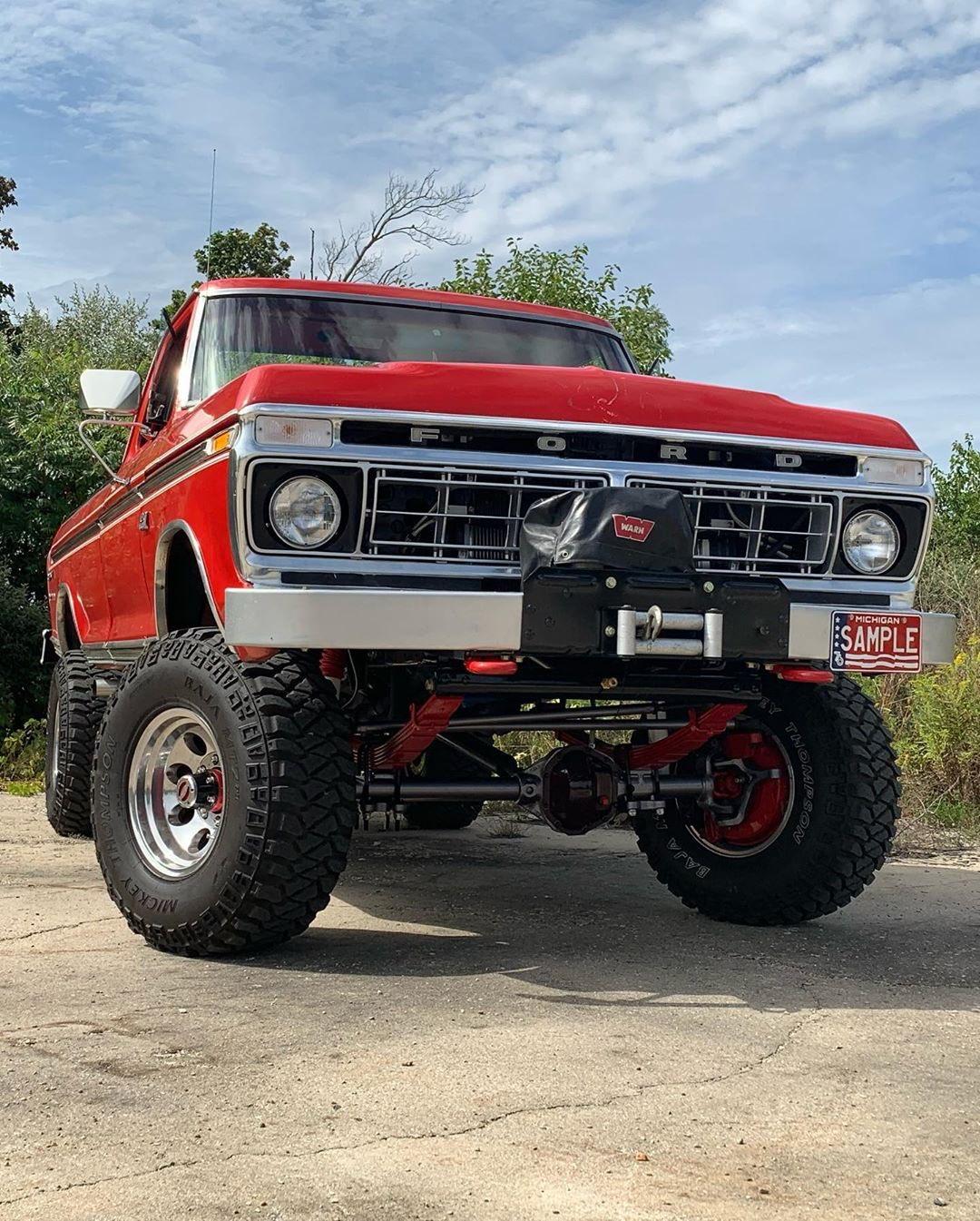 18 Year Old Built His Dream Truck 1976 Ford F250 Highboy 7.jpg