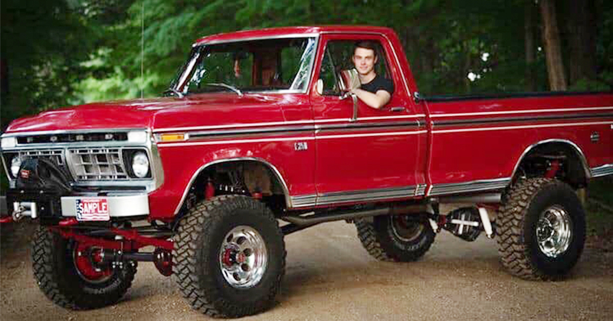 18 Year Old Built His Dream Truck 1976 Ford F250.jpg