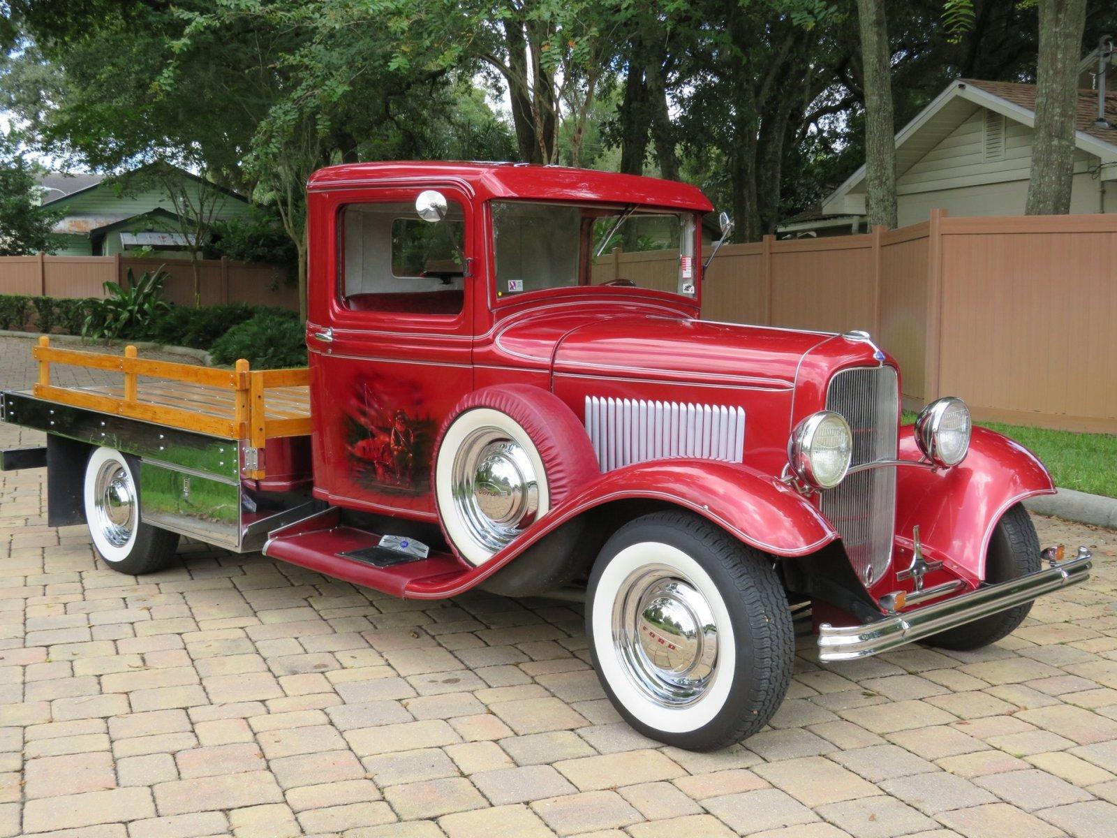 1932 Ford Custom Flatbed Pickup 11.jpg