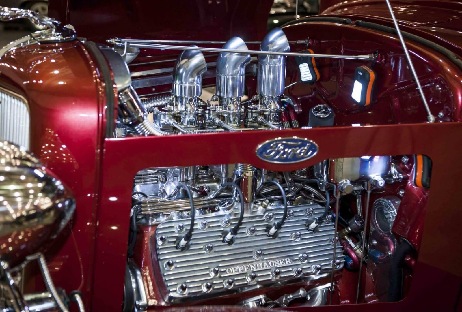 1934 Flathead Engine With Full Race Cam 3 Carbs 4.jpg