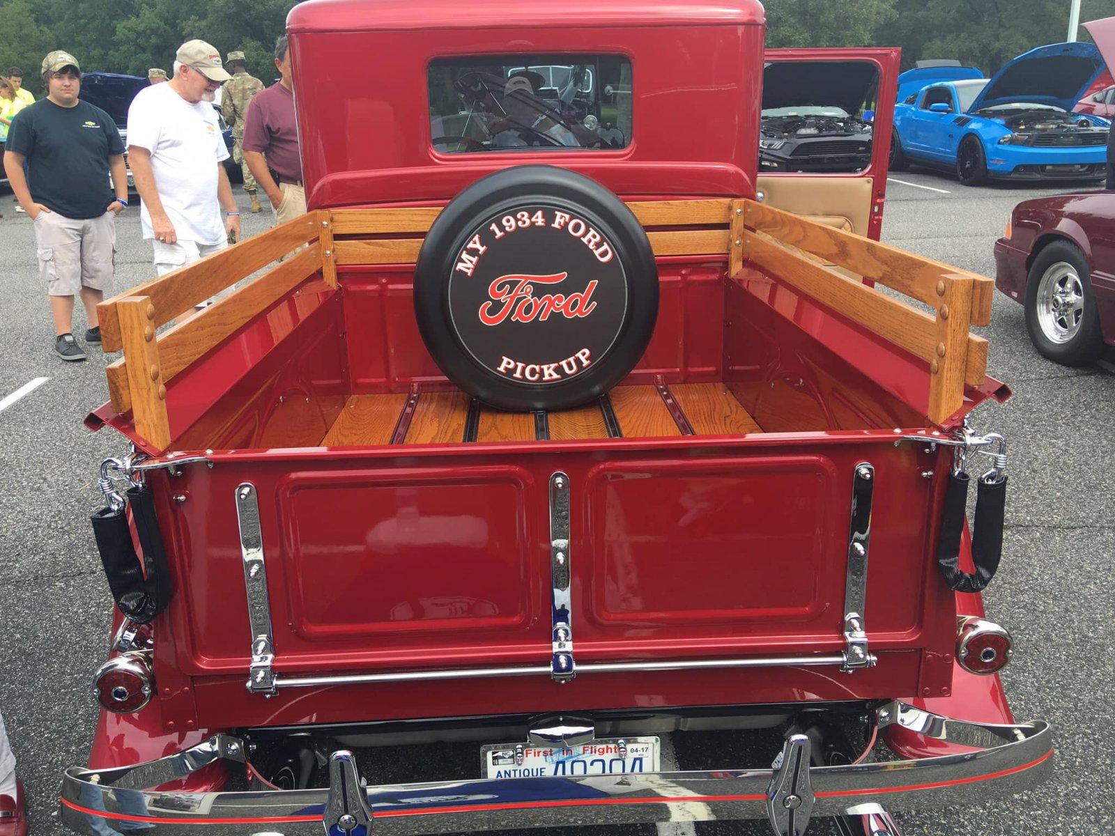 1934 Ford Flathead With Full Race Cam 3 Carbs 4.jpg
