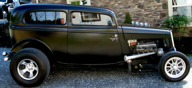 1934 Ford Tudor Street Rod Pro Build  5.jpg