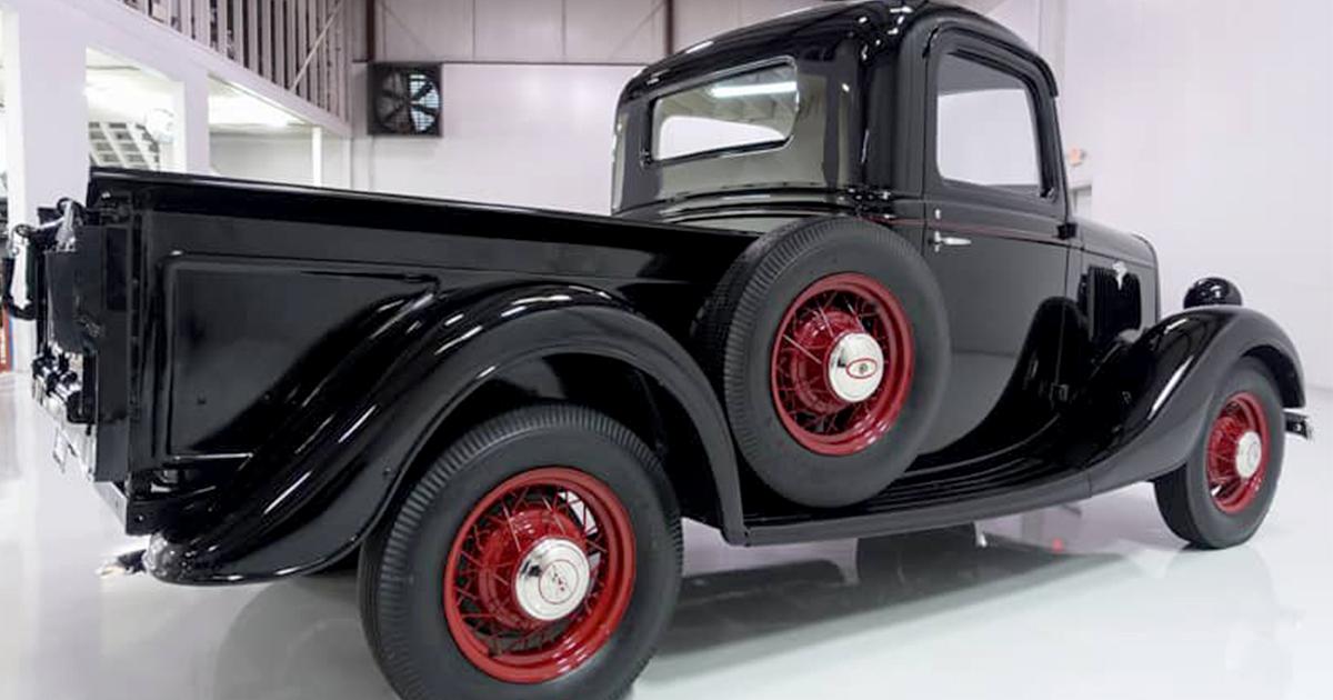 1935 FORD V8 PICKUP TRUCK.jpg