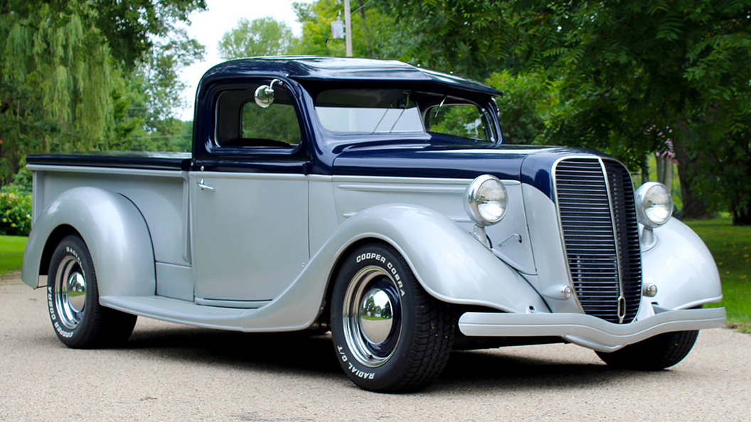 1937 Ford Custom With 302, 3 inch Chop, 3 inch Channel, 3 inch Section.jpg