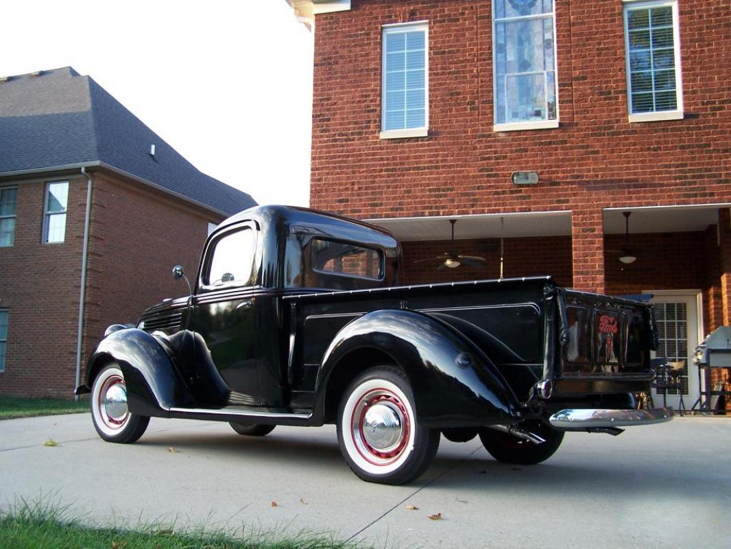 1939 Ford Pickup Truck Flathead V8 And 3 Speed 2.jpg