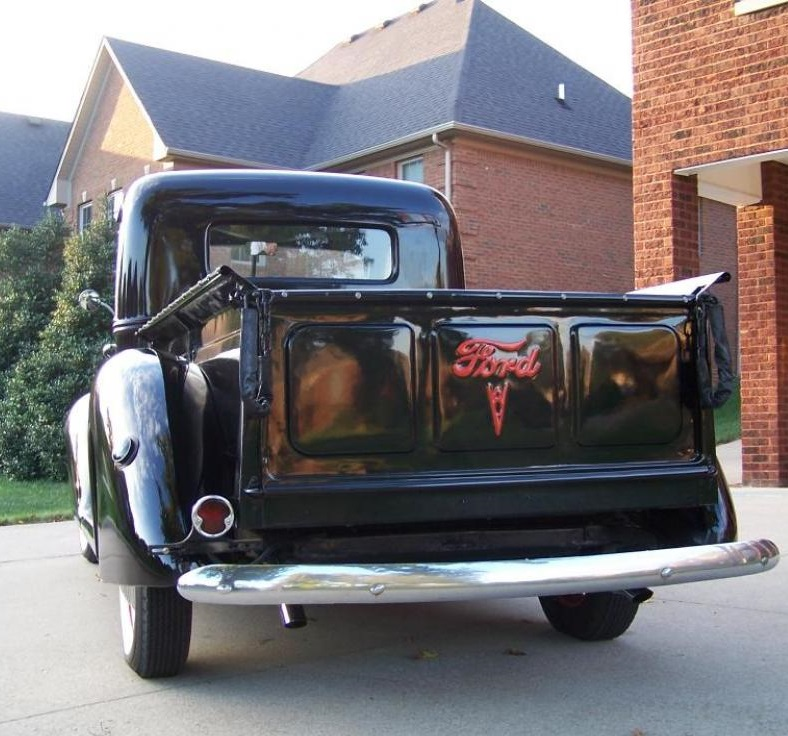 1939 Ford Pickup Truck Flathead V8 And 3 Speed 8.jpg