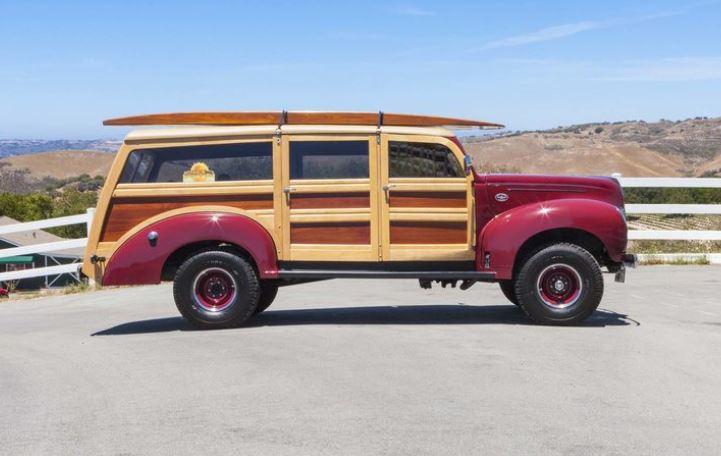 1939 FORD WOODY 350 280 HP 11.JPG