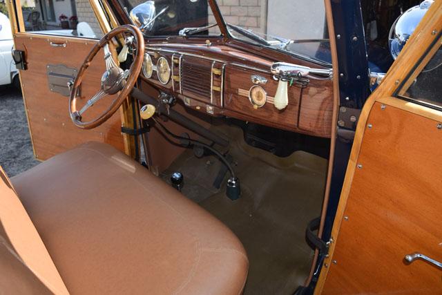 1939 Ford Woody V8 3.jpg