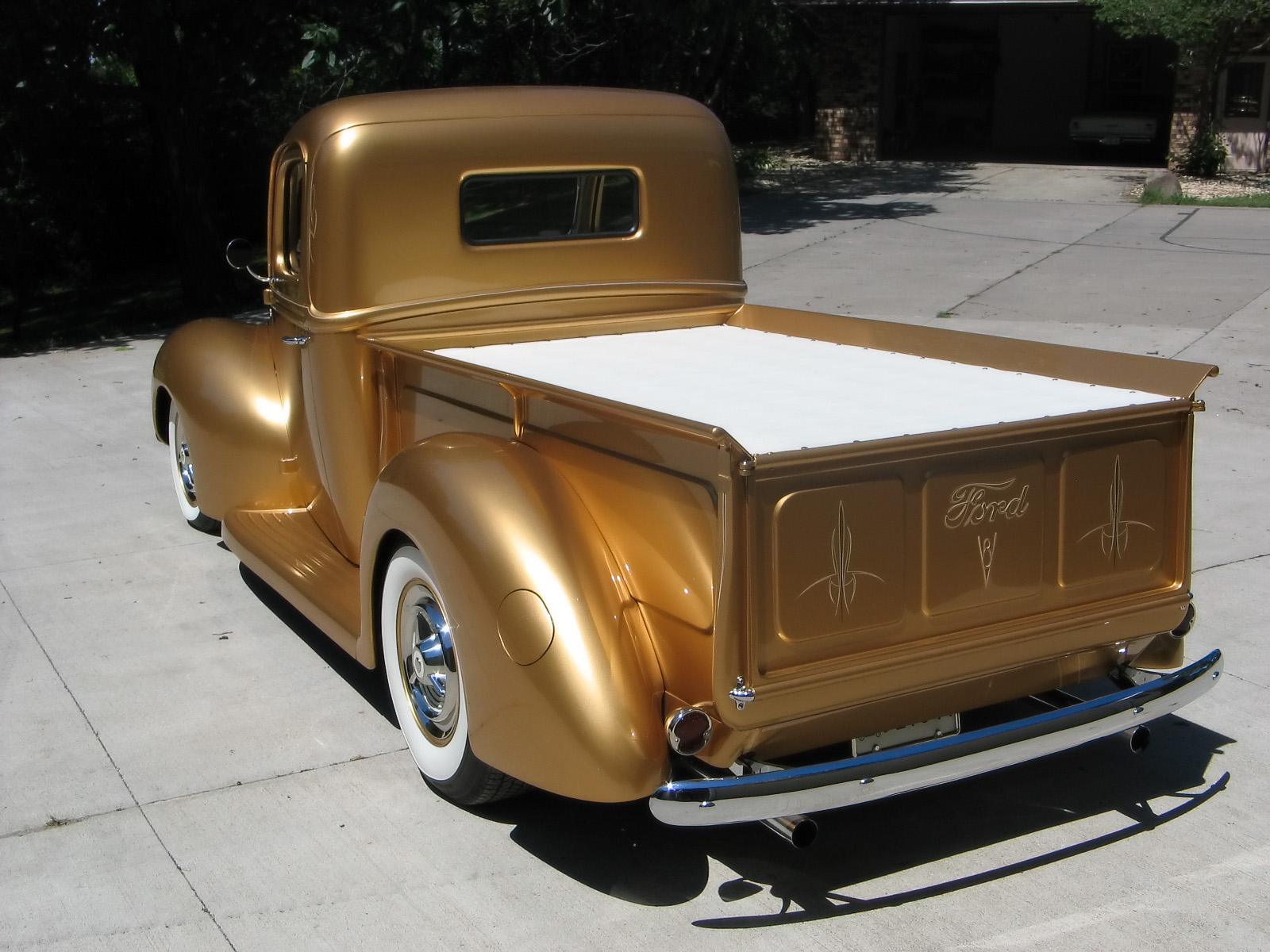 1940 FORD PICKUP TRUCK GOLD 3.jpg