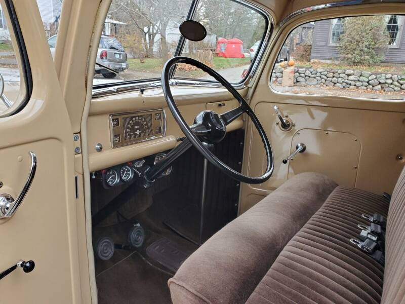 1946 Ford F100 Flathead V8 5-Speed 12.jpg