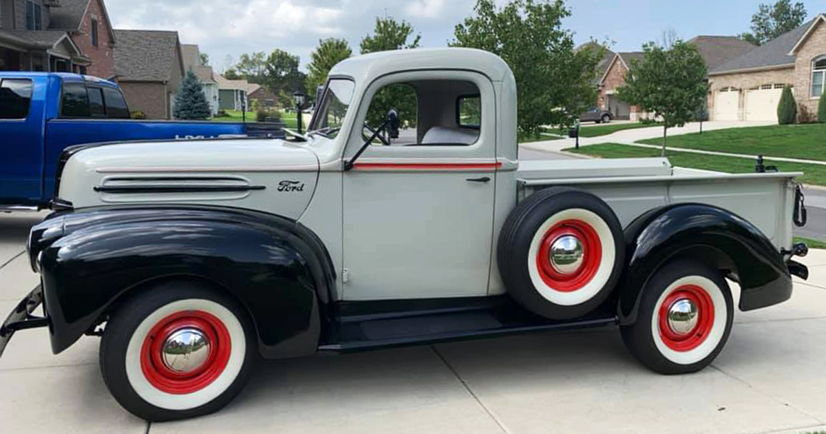 1947 Ford Pickup Truck Barn Find 1.jpg