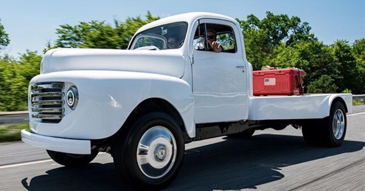 1948 Ford F1 CAT Powered Fummins.jpg