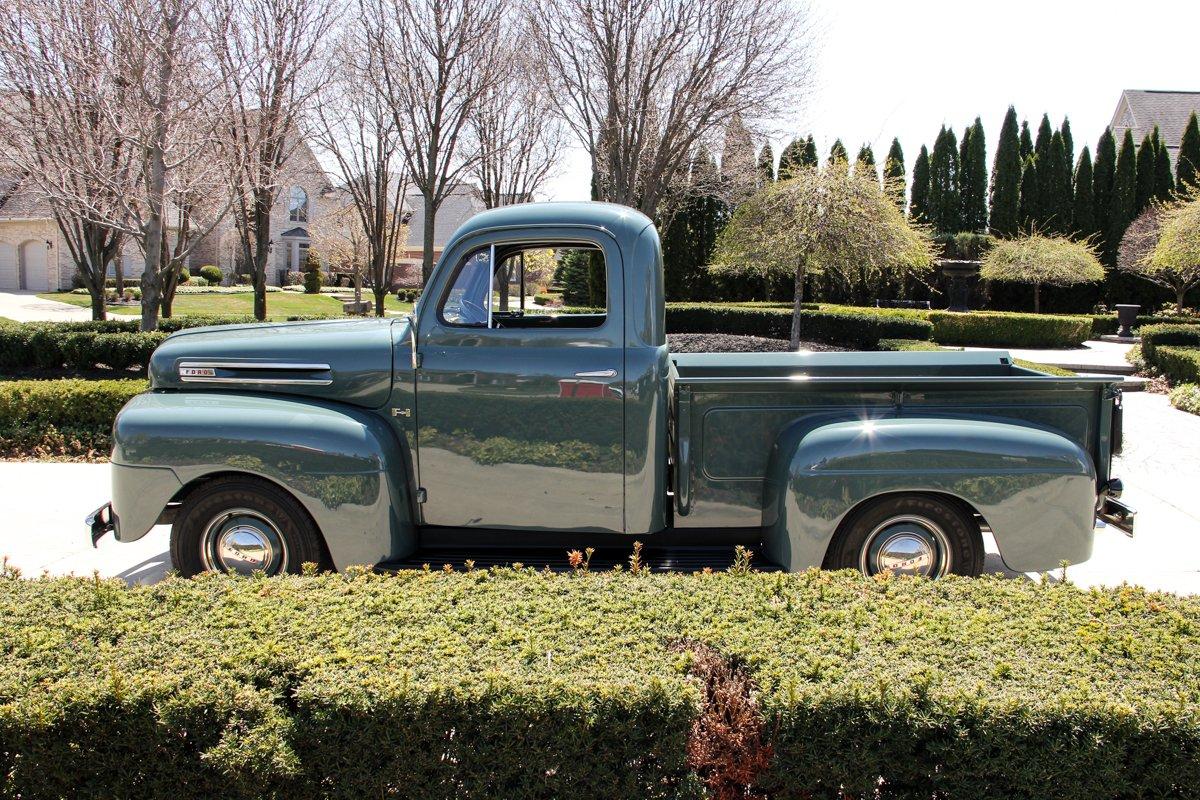 1948-ford-f1-pickup (4).jpg