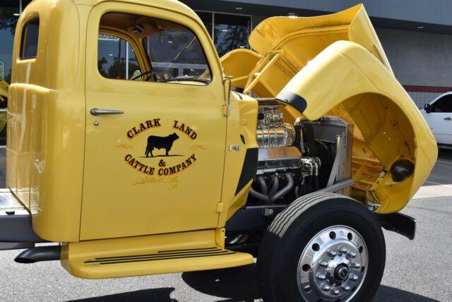 1949 Ford Truck F6 2Ton Dumpbed 4wd Show Truck 3.jpg