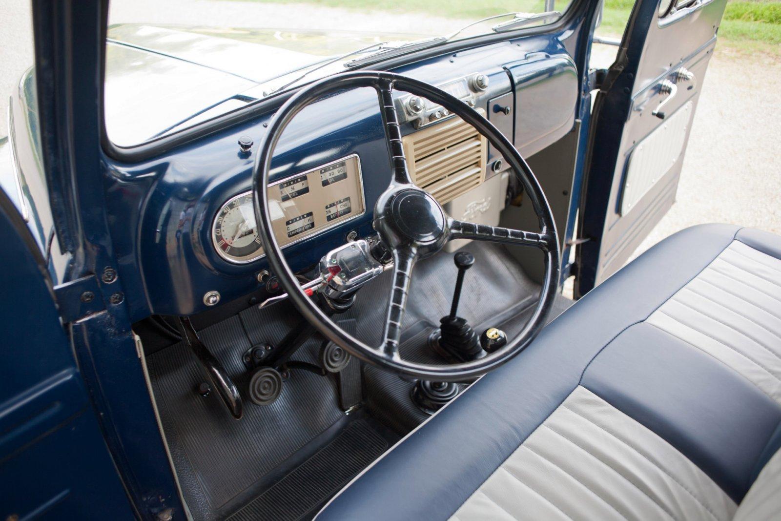 1950 Ford F1 Pickup Truck 4x4 5.jpg