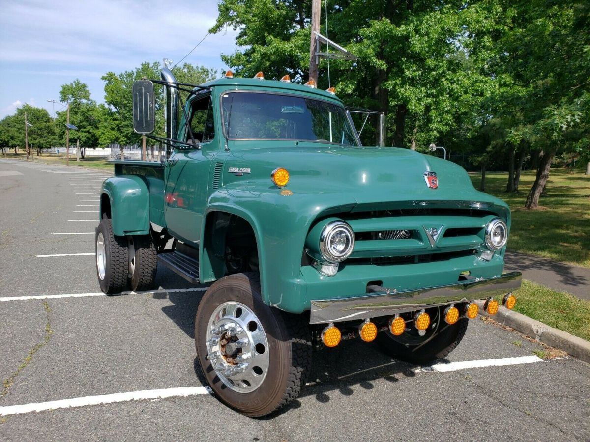 1953 Ford F100 Built On F600 Chassis Diesel 4x4 11.jpg