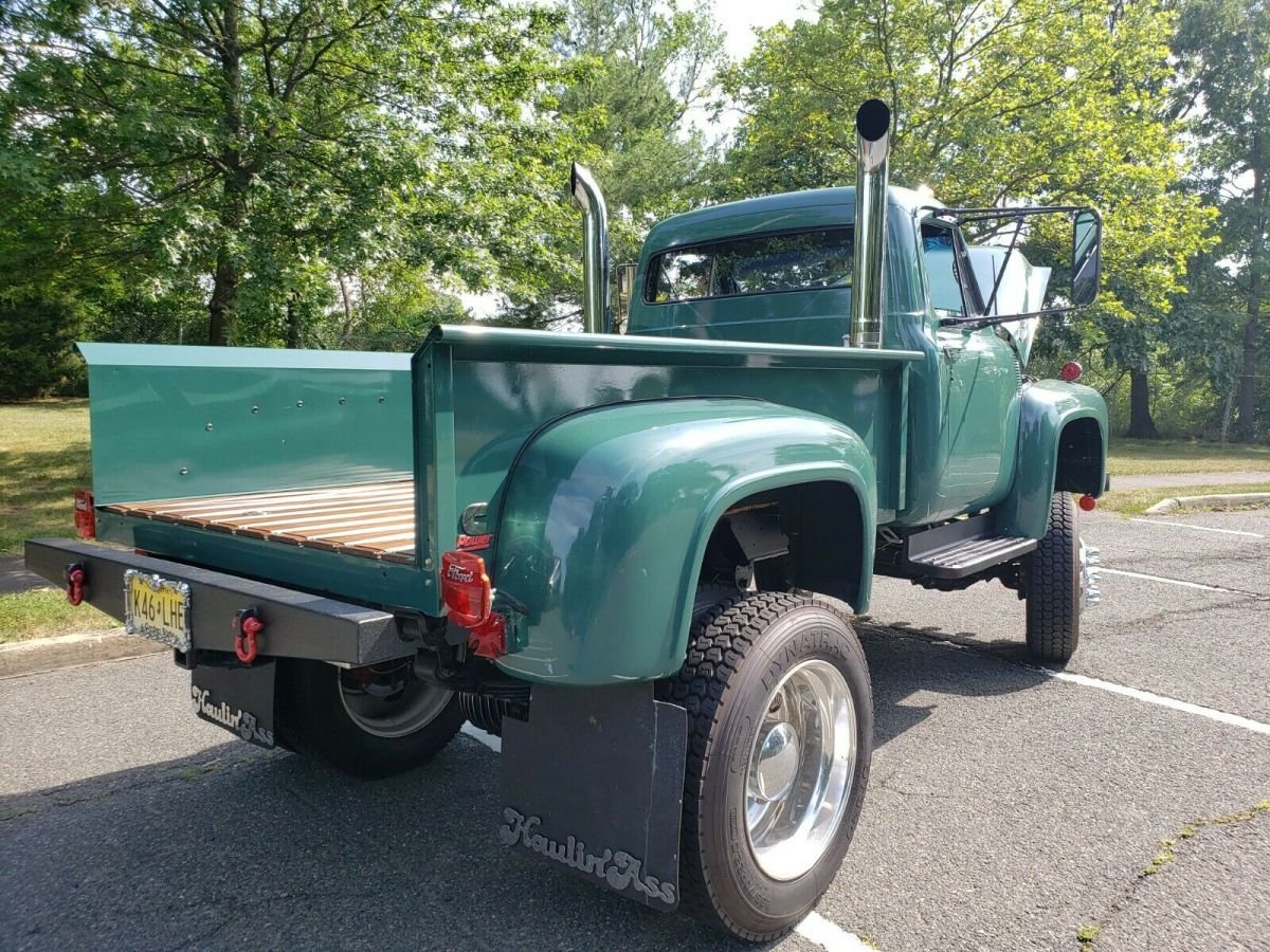 1953 Ford F100 Built On F600 Chassis Diesel 4x4 3.jpg