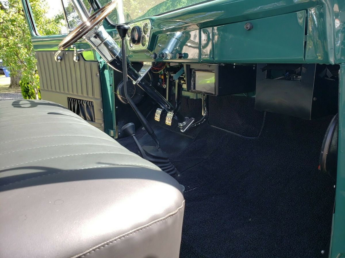1953 Ford F100 Built On F600 Chassis Diesel 4x4 7.jpg