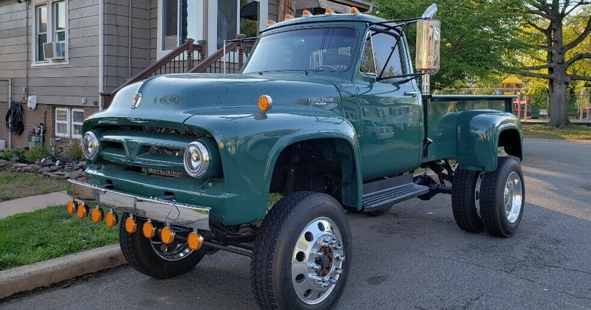 1953 Ford F100 Built On F600 Chassis Diesel 4x4.jpg