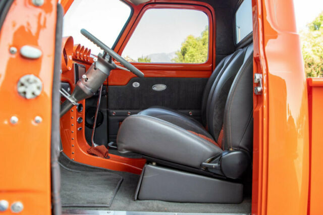 1953 Ford F100 Pickup Truck Orange 11.jpg