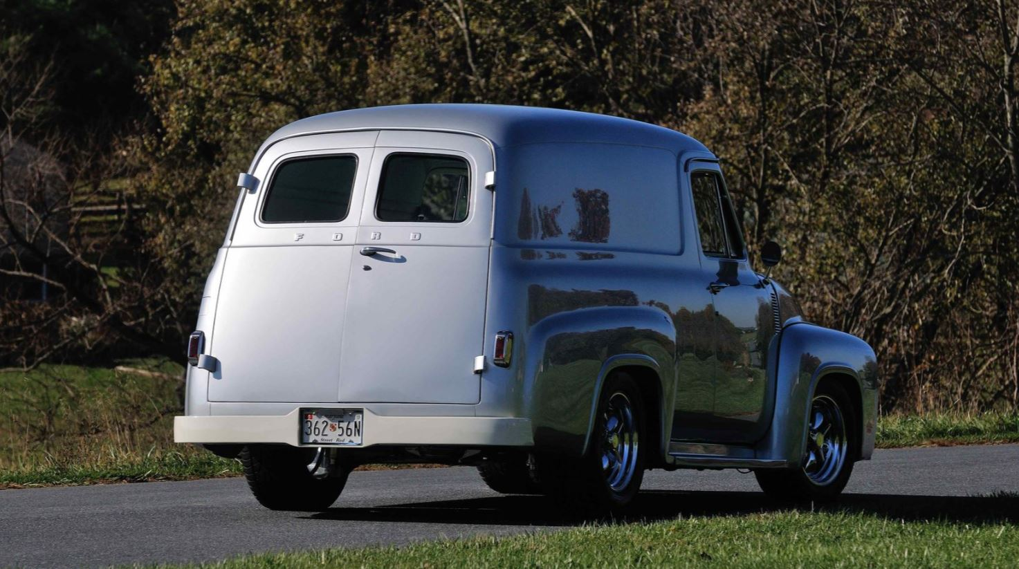 1955 FORD F100 PANEL TRUCK 547 CI 3.JPG