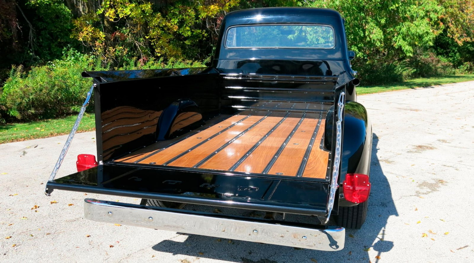 1955-ford-f250-pickup-truck-with-a-239ci-tri-power-10-jpg.7366