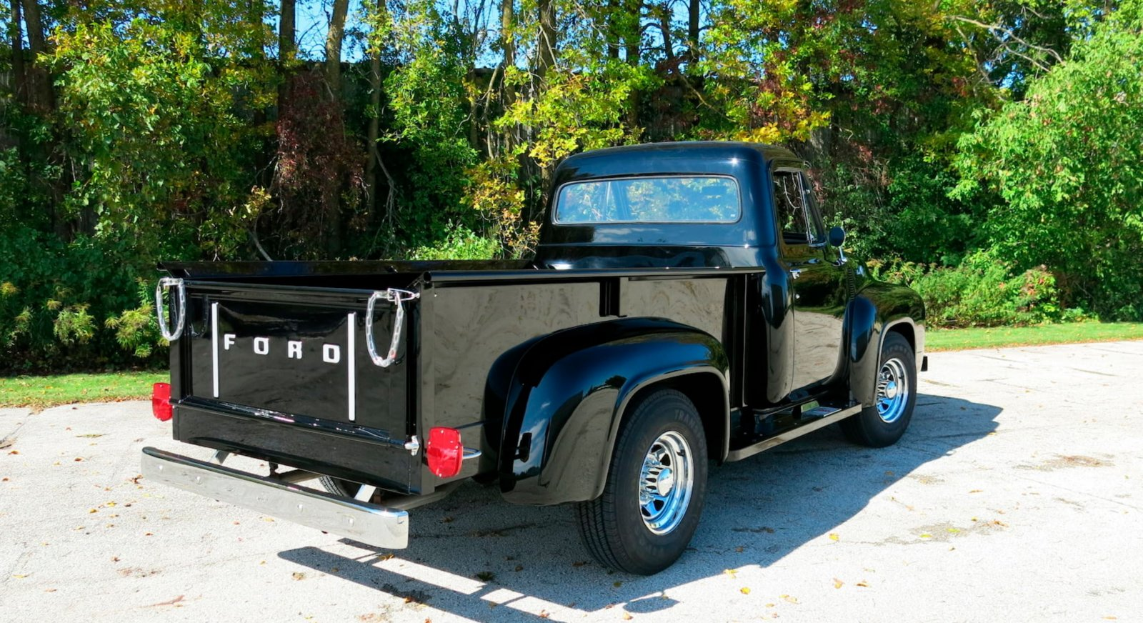 1955-ford-f250-pickup-truck-with-a-239ci-tri-power-2-jpg.7358