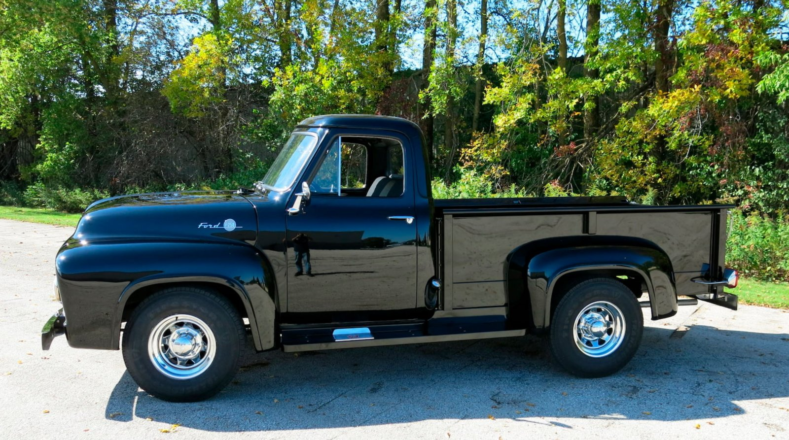 1955 Ford F250 Pickup Truck With a 239ci Tri-Power 3.JPG