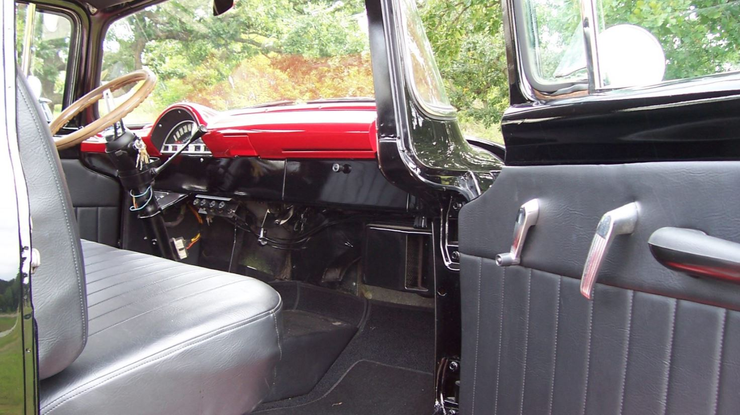 1956 FORD COE 351 CI V8 4.JPG