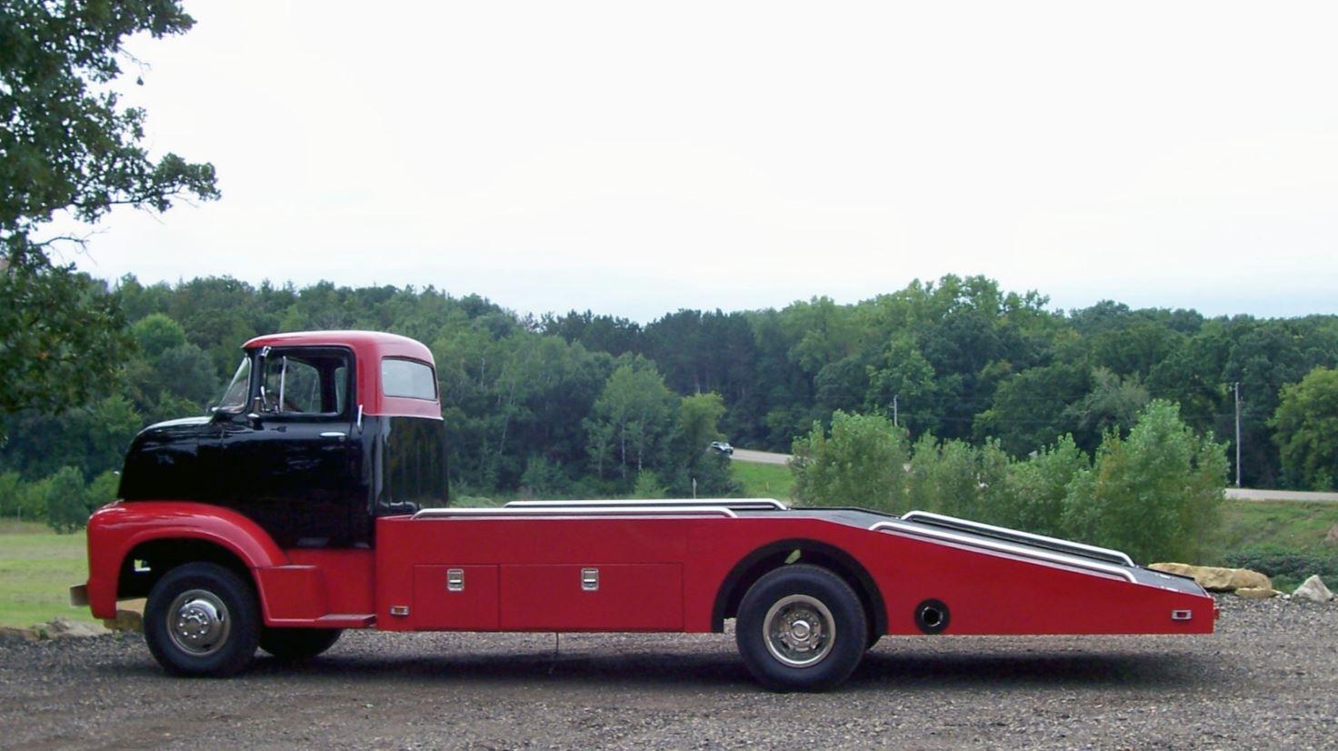 1956 FORD COE 351 CI V8 9.JPG