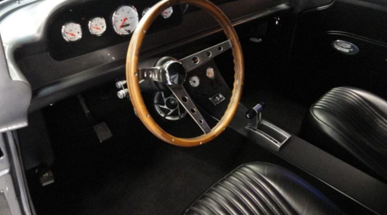 1957 FORD CUSTOM PANEL TRUCK 4.JPG