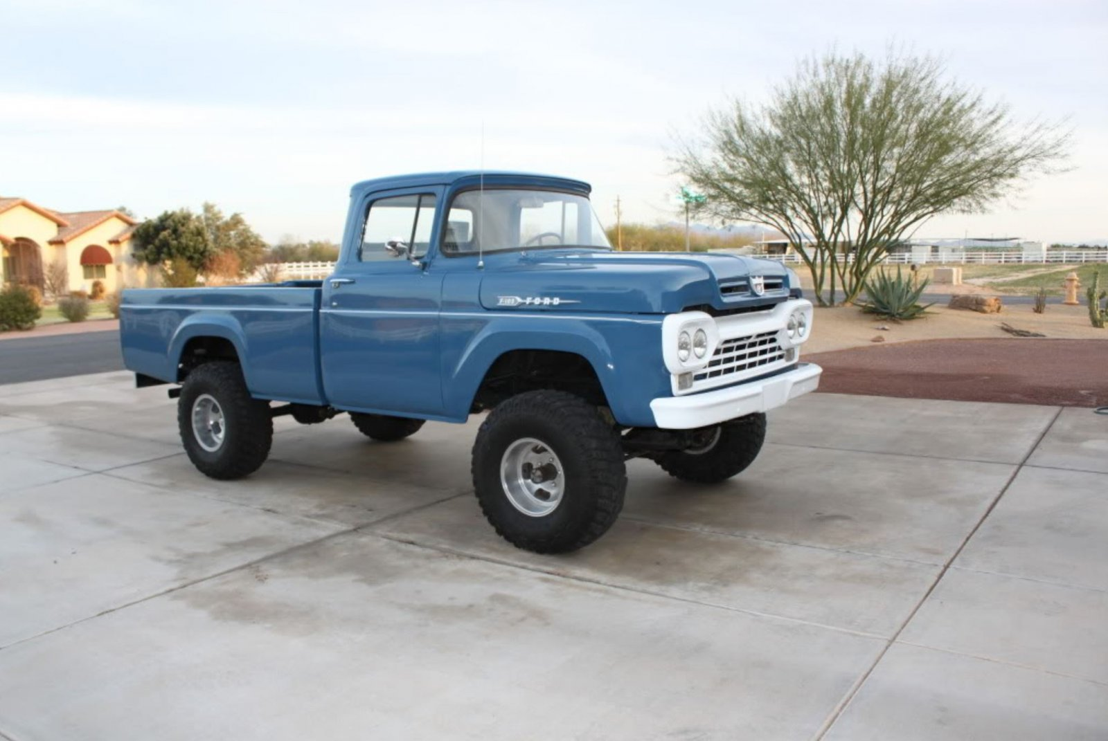 1960 FORD F100 FACTORY BLUE 4x4 2.JPG