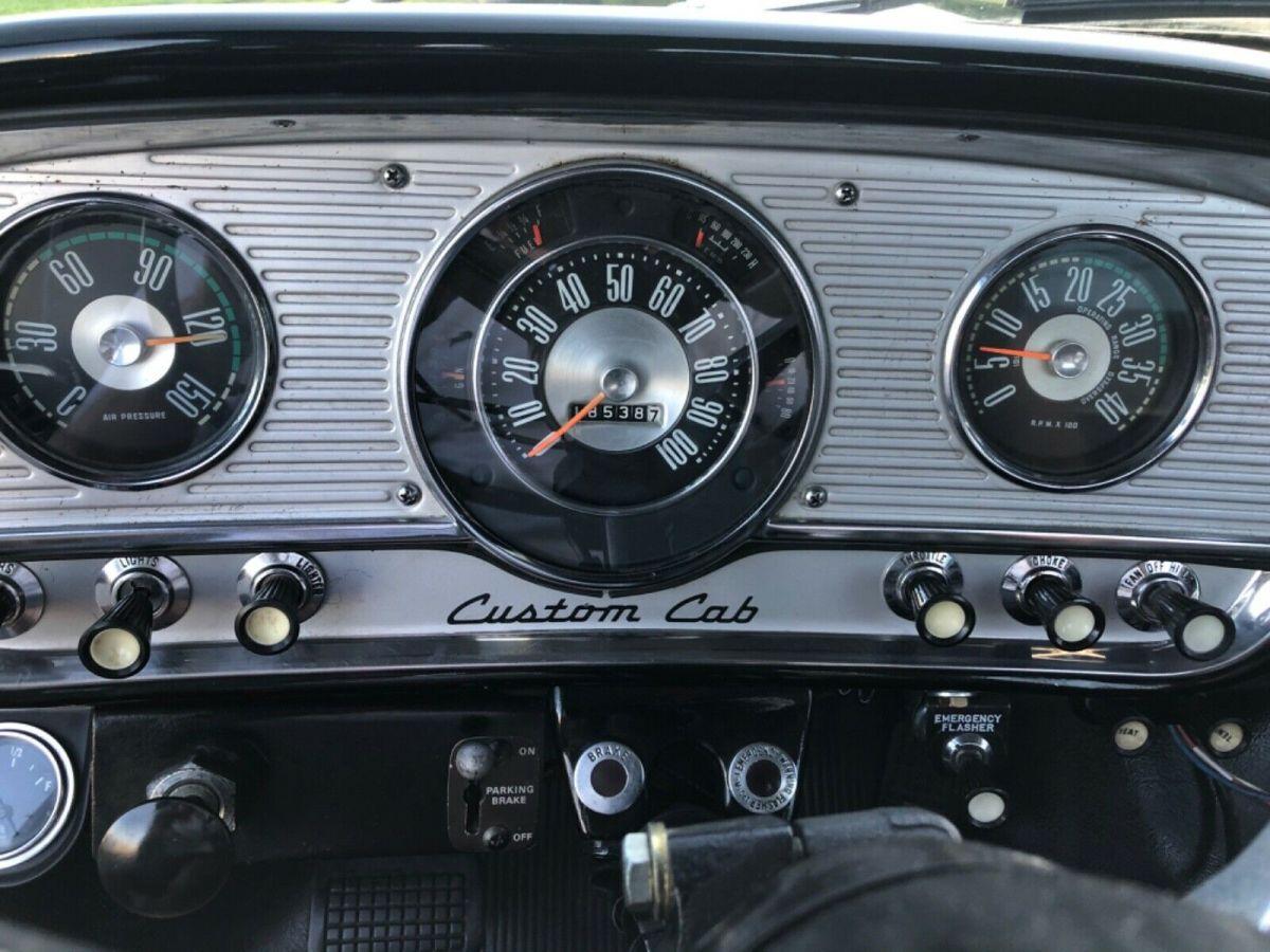 1964 FORD F750 WITH 330 MD V8 FE RWD 4.jpg
