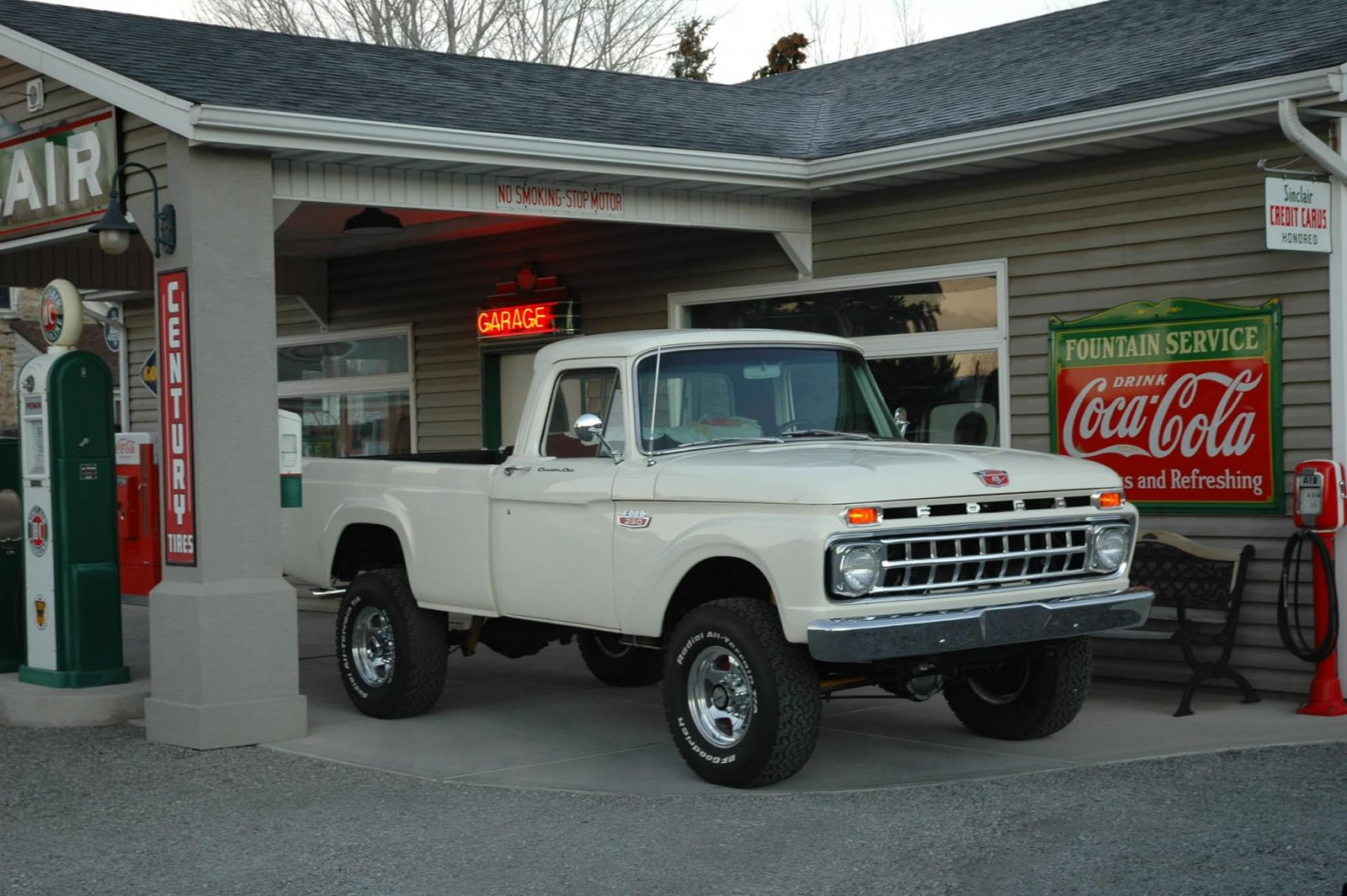 1965 Ford F-250 Clean Rare Truck With Unique Color 2.jpg