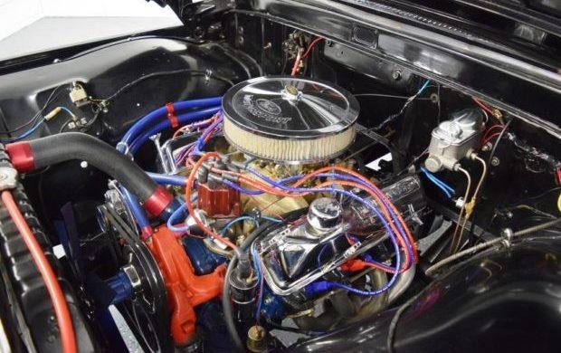 1965-Ford-F-250-Engine-620x390.jpg
