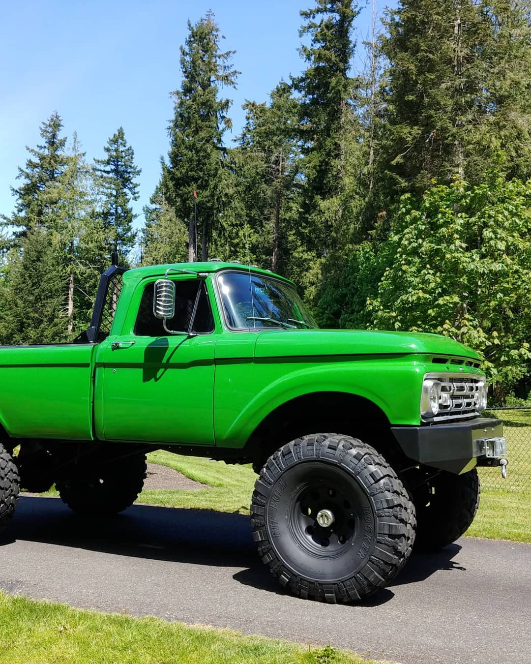 1965 Ford F100 With a 64 Grill On 41.5 Pitbull Tires 6.jpg