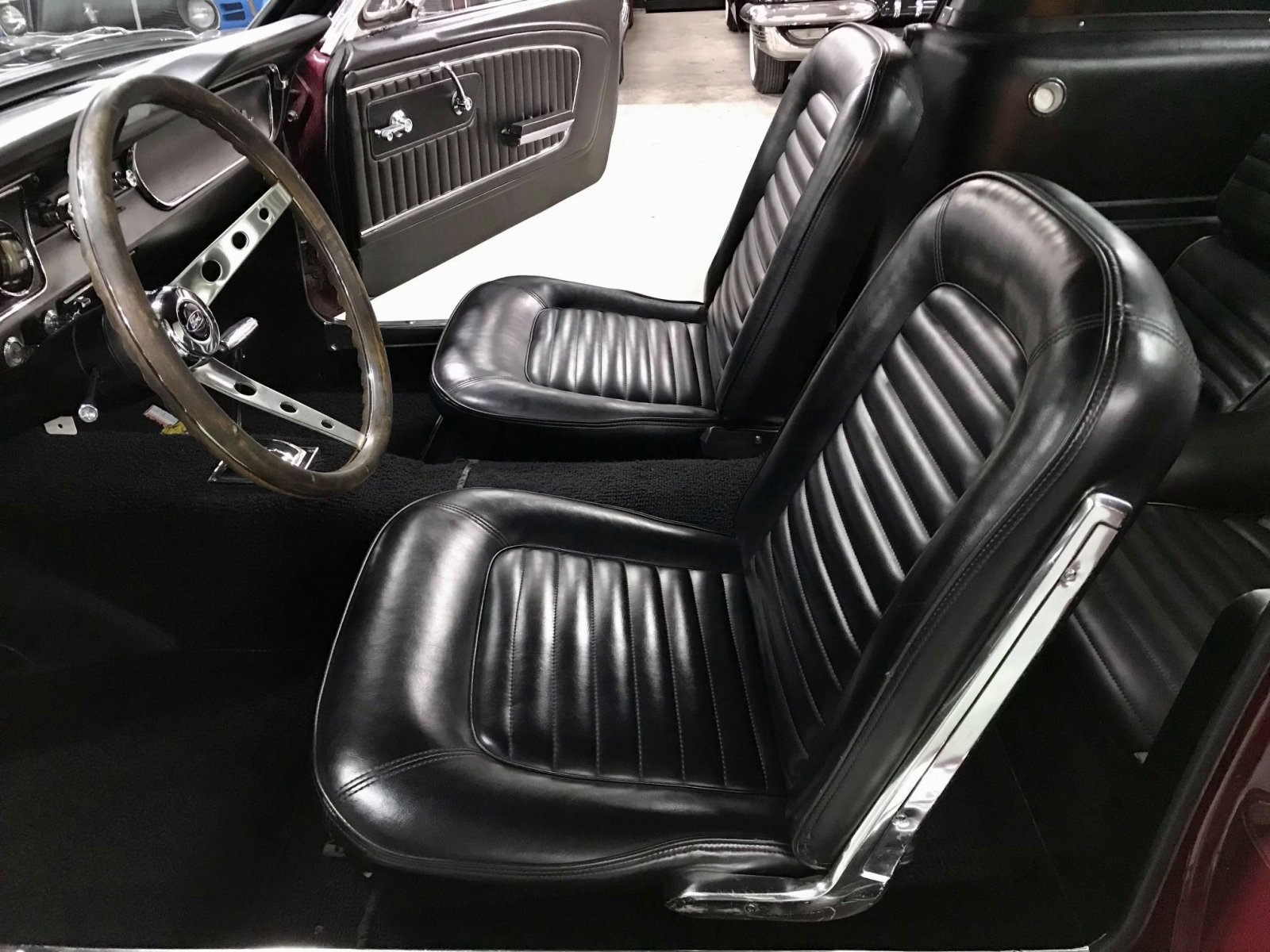 1965 FORD MUSTANG FASTBACK 289 V8 VINTAGE BURGUNDY 6.jpg