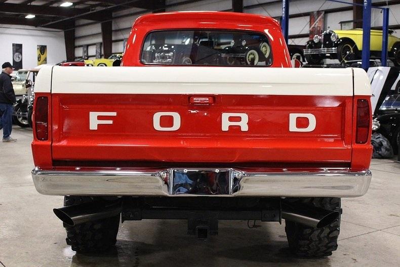 1966 Ford F-100 Short Box 4x4 5.jpg