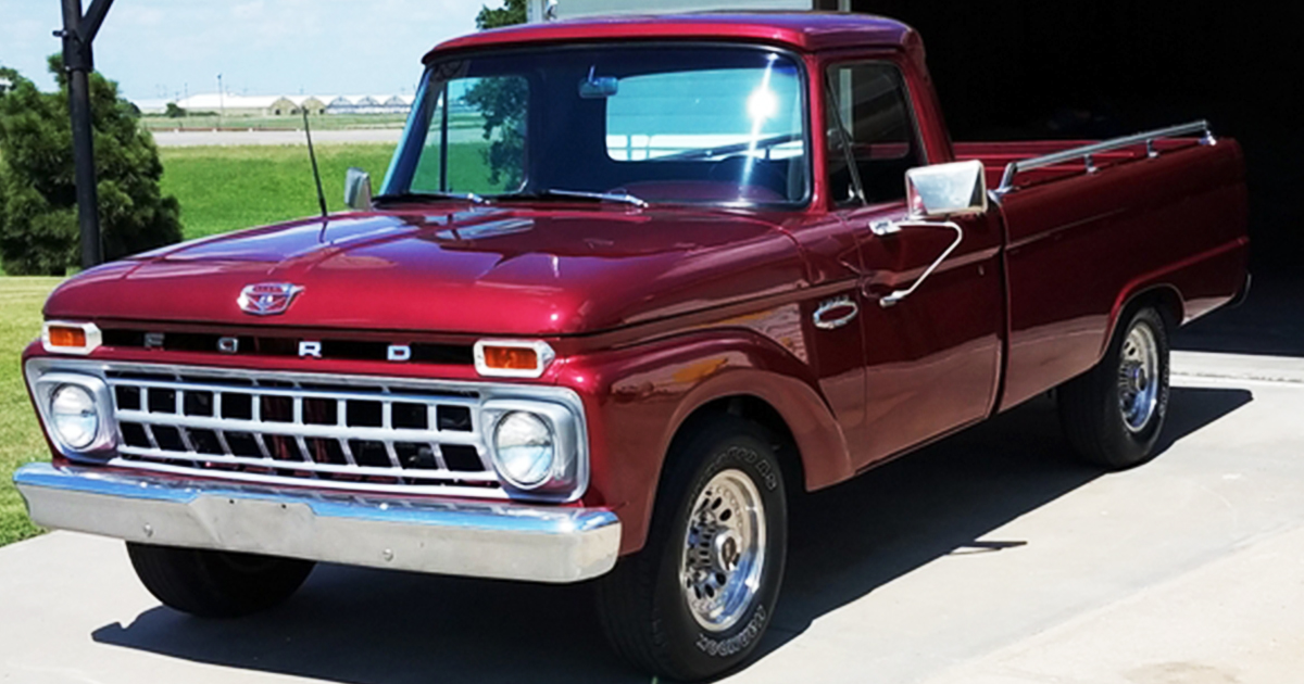 1966 Ford F-250 Custom Cab 390 FE Dark Candy Apple.jpg