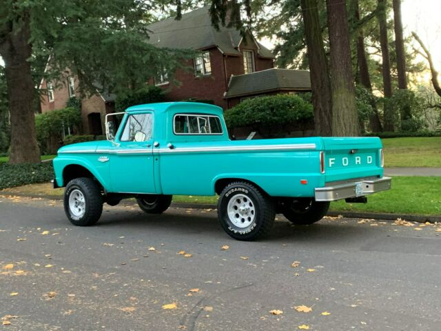 1966 Ford F100 Custom 4x4 3.jpg
