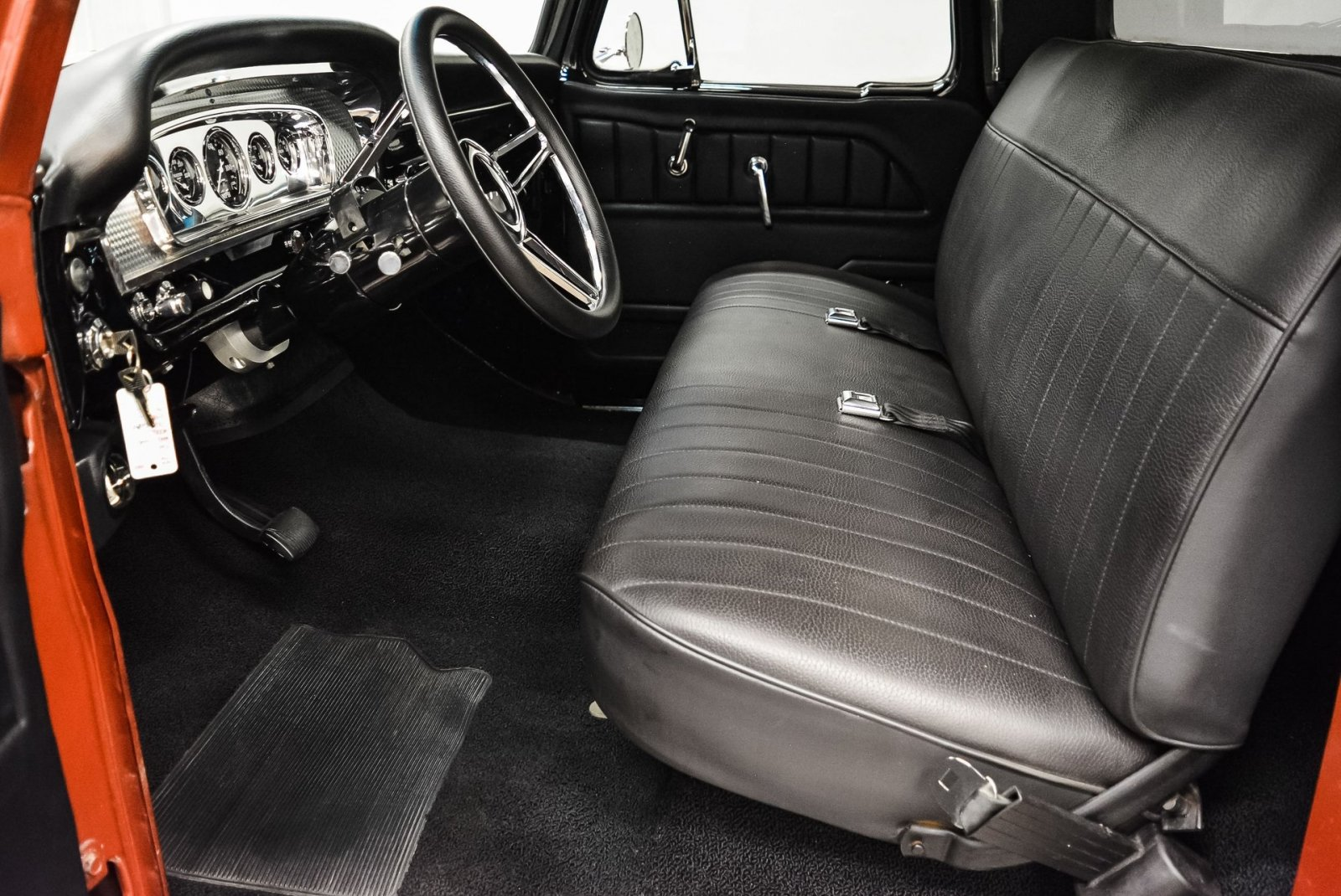 1966 Ford F100 Custom Cab 4x4 8.jpg