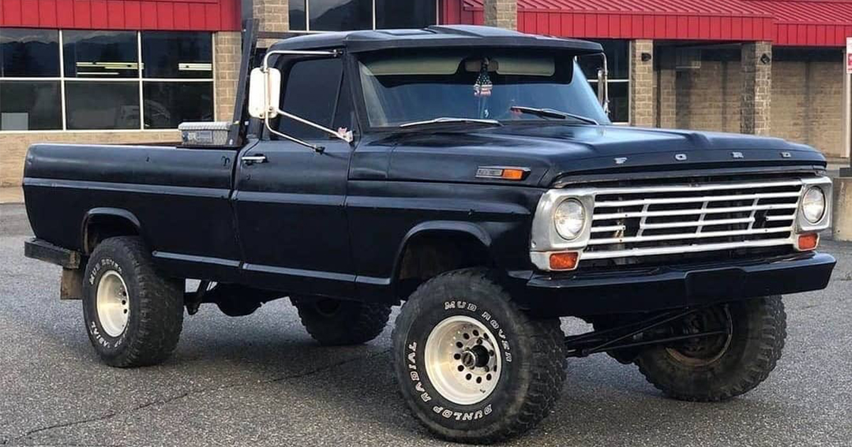 1967 Ford F-100 With a 428 4-Speed 3.jpg