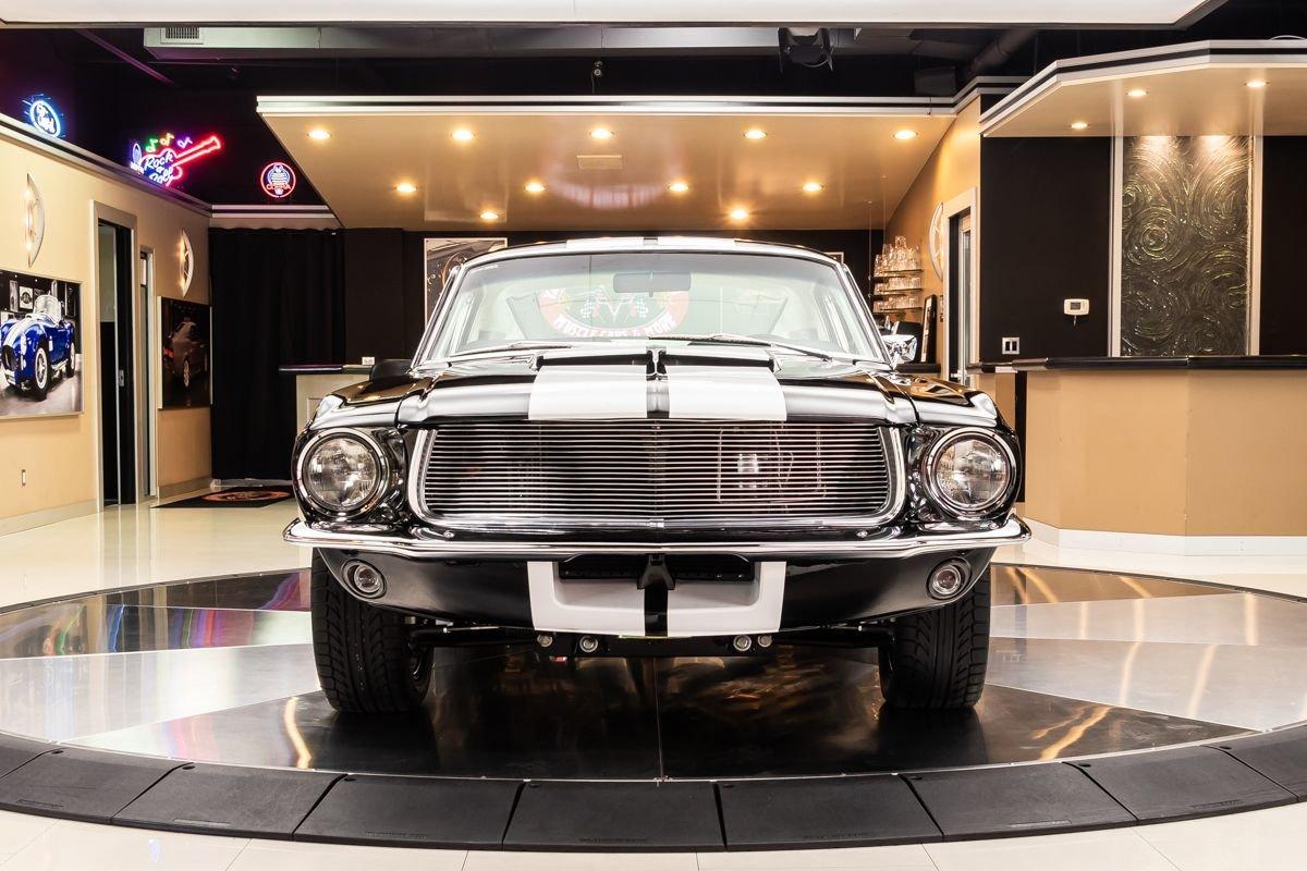 1967-ford-mustang-fastback-restomod (2).jpg