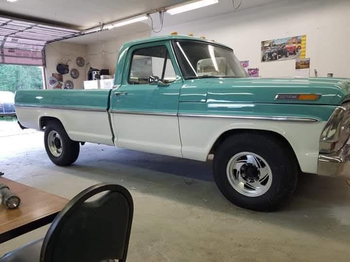 1968 Ford F-250 With a 360 4 Speed Green And White www.FordDaily.net 2.jpg