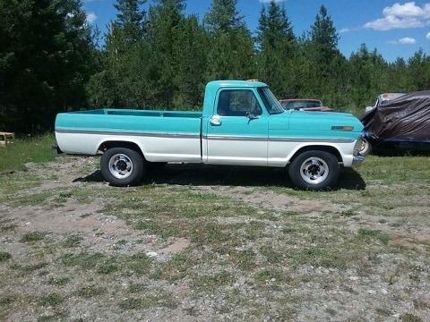 1968 Ford F-250 With a 360 4 Speed Green And White www.FordDaily.net 3.jpg