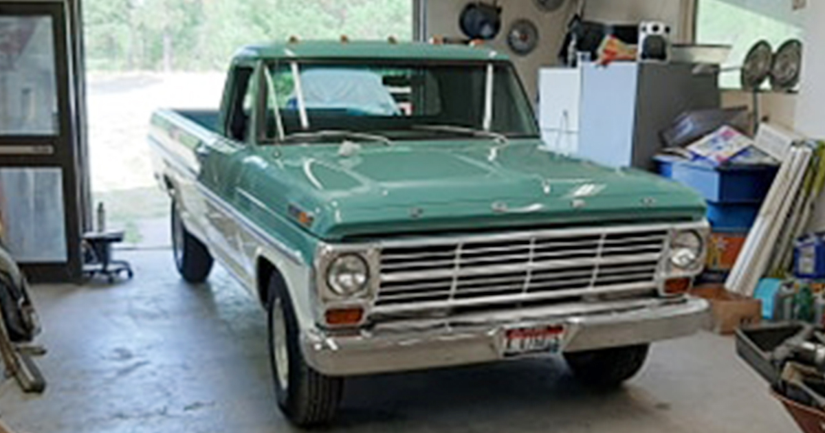 1968 Ford F-250 With a 360 4 Speed Green And White www.FordDaily.net